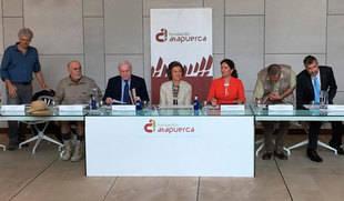 La Reina Sofía visita el yacimiento de 'Cueva del Mirador' de Atapuerca por petición propia