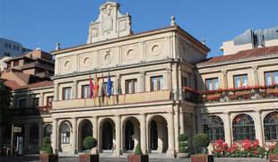 El Ayuntamiento de León aprueba la retirada de la medalla de oro de la ciudad a Francisco Franco