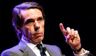 Aznar insta a 'desarticular' el 'golpe de Estado' en Cataluña y acusa al PSOE de ser 'cómplice'
