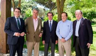 Aznar, Posada, Lucas, Herrera y Mañueco celebran los 30 años del PP en la Junta con una comida en la Ribera del Duero