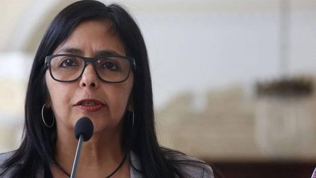 Rodríguez: Quema de cuadernos por opositores es una burla