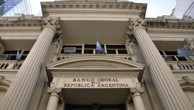 Con un decreto de necesidad y urgencia el gobierno implementó un nuevo CEPO cambiario