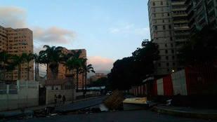 Persisten barricadas en algunas zonas de la Gran Caracas