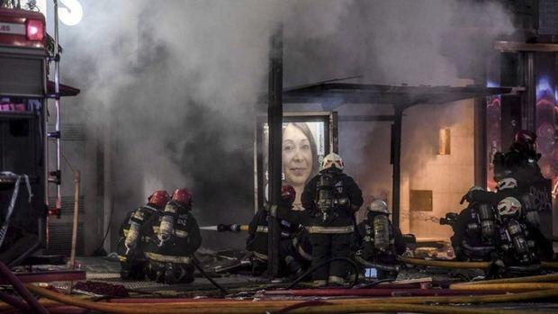 Dos bomberos muertos y seis heridos por explosiones e incendio en una perfumería en Villa Crespo