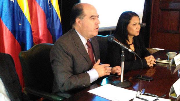 Borges pido a Maduro debatir sistema electoral