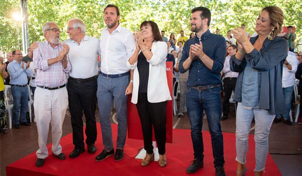 Puente se sitúa como favorito en las municipales de 2019 y afirma que repetirá el pacto de izquierdas