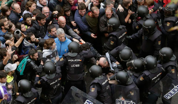 La Junta pide a las fuerzas políticas y sociales que estén 'más unidas que nunca'