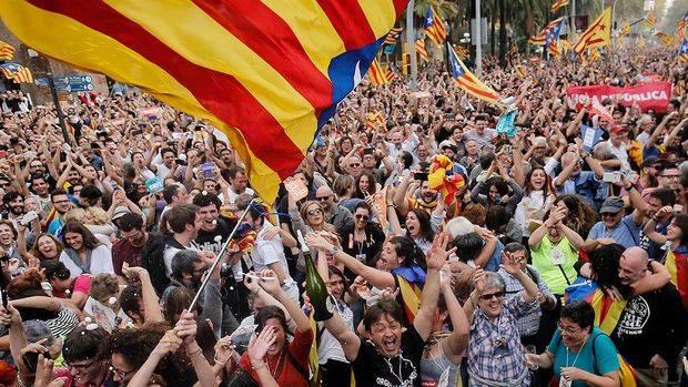 """La Federación de Sociedades Españolas, el CRE y la Patriótica hicieron público su más """"absoluto apoyo a la unidad indivisible de España"""""""