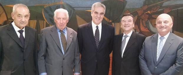 El Embajador felicitó al Centro Galicia por el vigor del asociacionismo que han plantado durante décadas