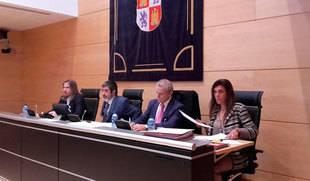 Conthe cree que Castilla y León 'tuvo suerte' de no fraguar una gran caja regional porque 'un banco público es un peligro'