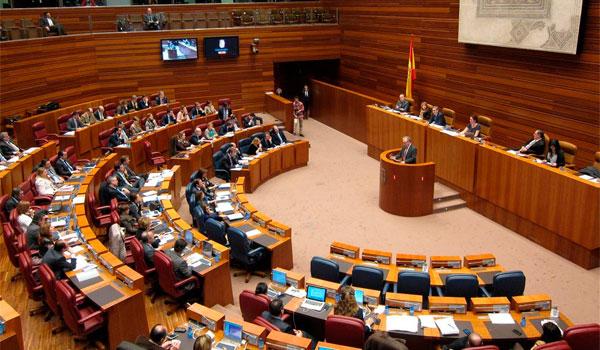 PP y Ciudadanos rechazan la petición de PSOE, Podemos e IU de devolver las cuentas de la Junta para 2018