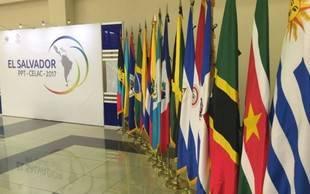 Celac informa a la UE sobre el aplazamiento de la próxima cumbre