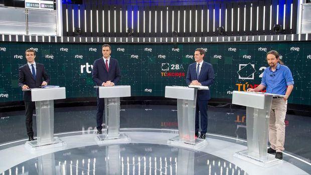 'Debate a 4' de TVE: Rivera y Casado fallaron en su intento de combatir juntos a Sánchez e Iglesias hace de 'poli bueno'