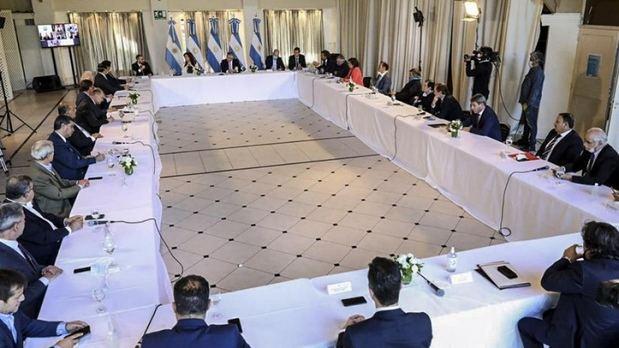 Detalles del plan que propone Argentina: tres años de gracia y quita de intereses del 62%