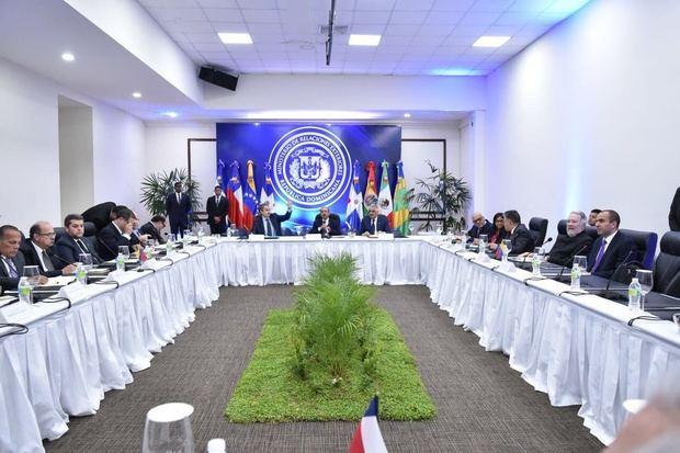 Chile suspende su participación en diálogo entre gobierno y oposición de Venezuela