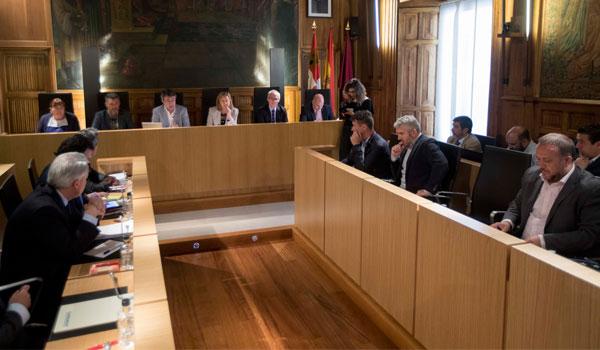 Del Olmo recalca el apoyo de la Junta en defensa de las centrales térmicas y buscará medidas junto con Asturias y Aragón