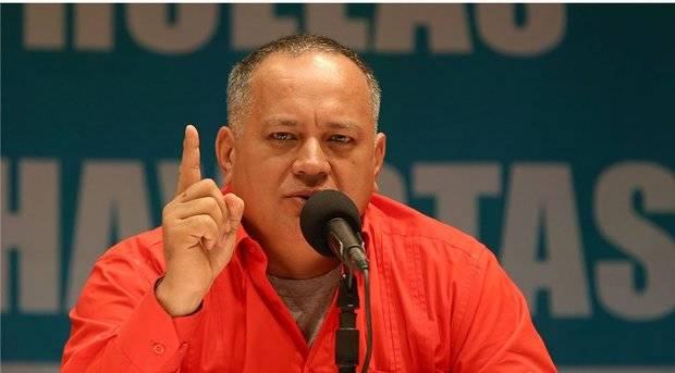 Cabello señaló que detuvieron a un funcionario de la embajada de EE UU