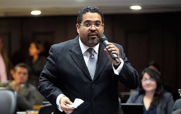 Diputado Flores invita a Fiscal William Saab a debatir sobre DDHH en la AN