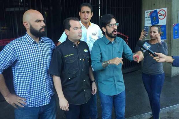 Comisión de la Unidad exigirá al CNE publicación de cronograma del revocatorio