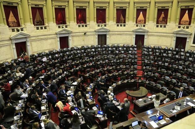 """Diputados del FPV-PJ advierten que si se aprueba el acuerdo con el FMI, """"lo peor está por venir"""""""
