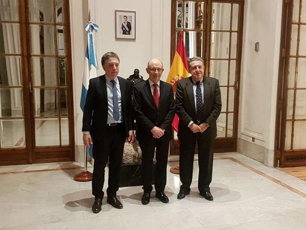 Dujovne se reunió en Madrid con el Ministro de Hacienda español Cristóbal Montoro