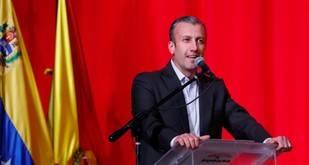 El Aissami adelanta que presidente Maduro buscará la reelección