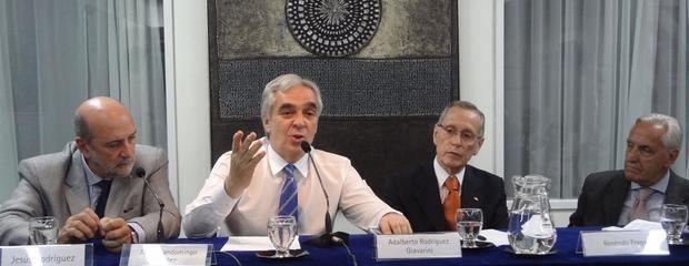 El Embajador Sandomingo resaltó la trascendencia de la Constitución del 78
