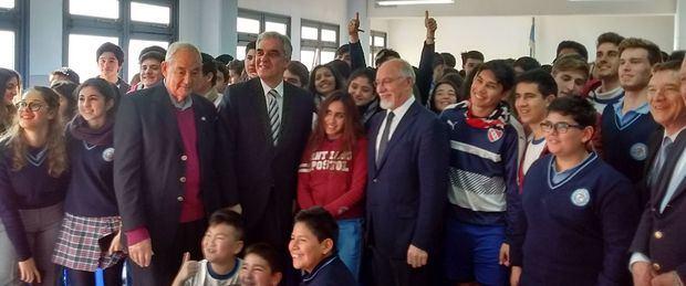 El Embajador Sandomingo visitó las instalaciones del Centro Galicia y del Instituto Santiago Apóstol