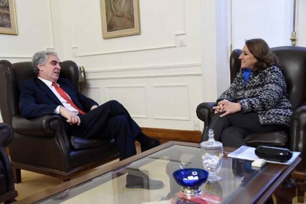 El Embajador Sandomingo fue recibido por la intendenta de Rosario