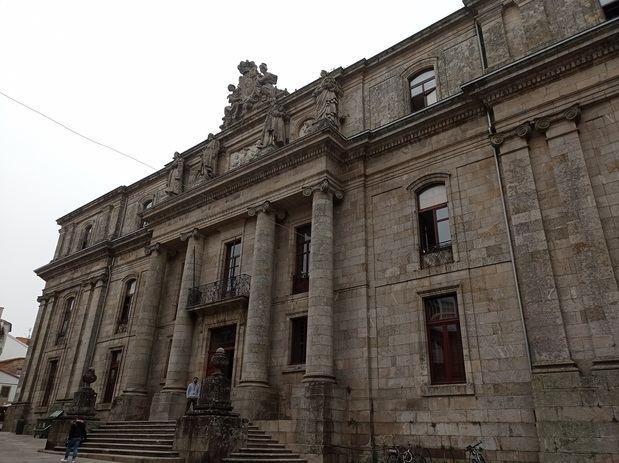 Emigración informa a las y los gallegos retornados sobre los trámites necesarios para convalidar y homologar los títulos de formación académica