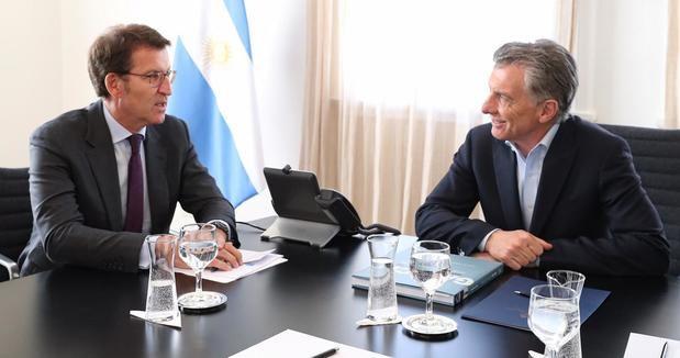 Feijóo traslada a Macri la preocupación de los más de 176.000 gallegos que viven en el país y de las empresas gallegas que invierten y generan empleo ante la inestabilidad actual