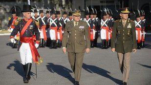 El Jefe del Estado Mayor del Ejército Tierra de España fue condecorado en Argentina