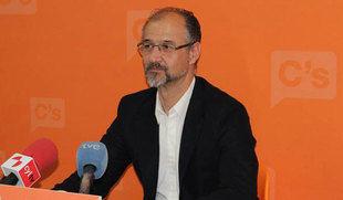 Fuentes acusa a Herrera de buscar votos con el carb�n y �ste reprocha a Ciudadanos querer