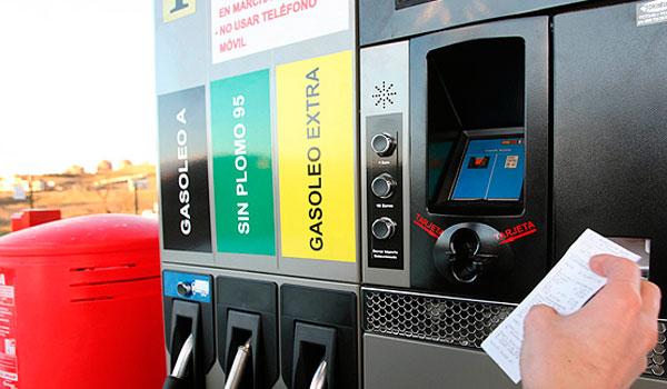 La Comunidad da marcha atrás en la norma que impedía las gasolineras desatendidas ante los requerimientos de la UE