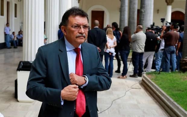Activan alerta roja en Interpol al diputado Germán Ferrer por su vinculación a red de corrupción