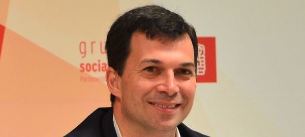 Gonzalo Caballero, candidato del PSOE en Galicia, estará el jueves en Buenos Aires