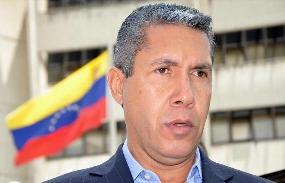 Henri Falcón propuso definir con encuesta a candidato opositor a presidenciales