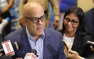 """Jorge Rodríguez informó que a través de Conatel impedirá """"política de odio"""" en redes sociales"""