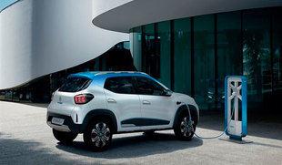 La Junta cree que el futuro de Renault en la región está 'asegurado' con los dos nuevos modelos híbridos de Captur y Mégane