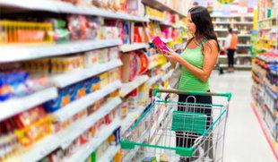 Los precios caen un 0,2% en marzo y la tasa interanual se sitúa en el 2,6%, tres décimas más que en España