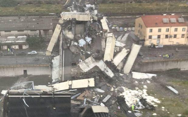 Decenas de muertos al derrumbarse el puente Morandi en Génova