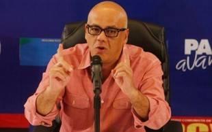 Jorge Rodríguez mostró actas de verificación firmadas por la oposición
