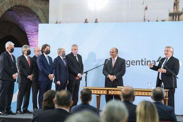 """""""La solución del problema de los argentinos está en que estemos más unidos que nunca"""" aseguró Fernández al tomar juramento a los nuevos ministros"""