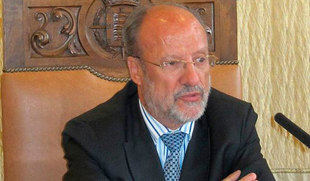 La Fiscalía pide 9 años de cárcel y 33 de inhabilitación para León de la Riva por el aval del soterramiento