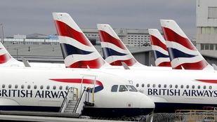 Bajo un operativo especial, llegó el último vuelo autorizado procedente del Reino Unido