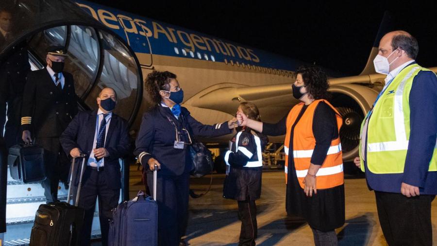 Llegó desde China el avión de Aerolíneas con una carga de un millón de vacunas Sinopharm