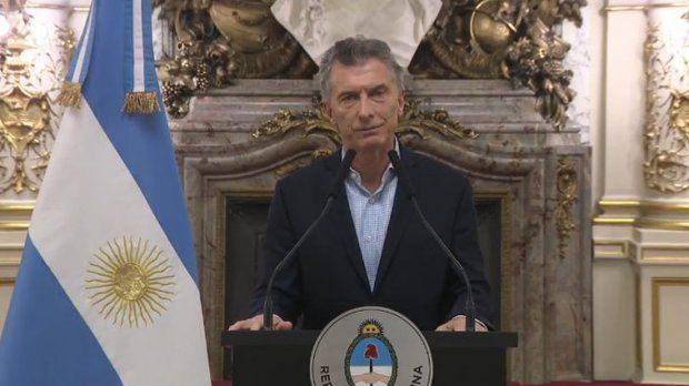 Con el fresco y triste recuerdo del 2001, Macri anunció que recurrirá al FMI
