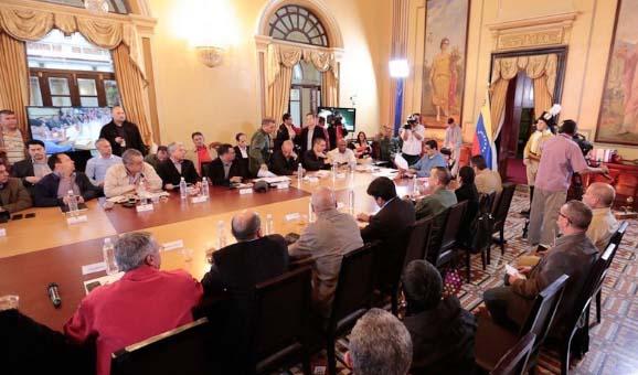 Maduro crea programa social de abastecimiento seguro para atender escasez