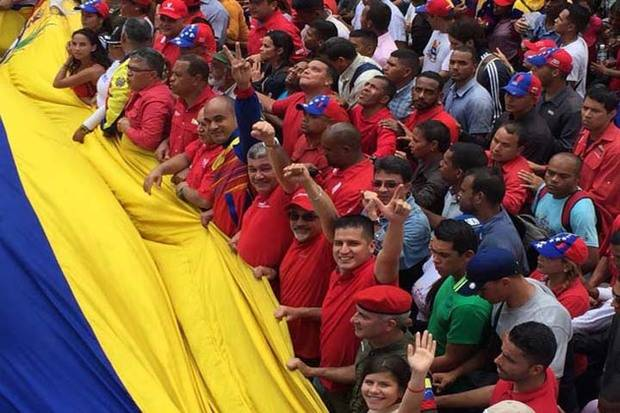 Chavistas marchan en Caracas contra sesión OEA y los 'enemigos de la patria'