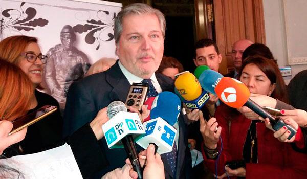 Méndez de Vigo recuerda que sólo cabe una investidura en la Generalitat con un candidato